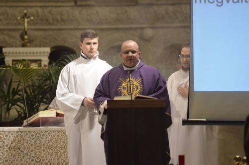 A Szegedi Katolikus Egyetemi Lelkészség esti szentmiséje (2019.03. 10.)