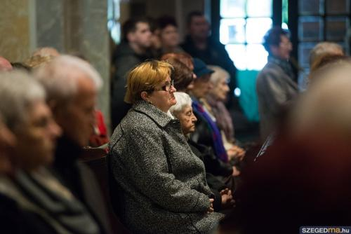 A dómban ünnepelték Krisztus feltámadását a szegedi hívők