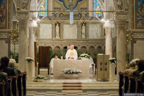 husveti szentmise013kf