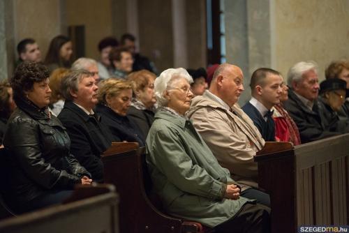 husveti szentmise015kf