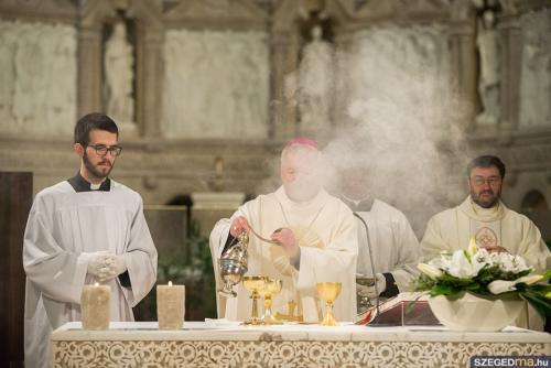 husveti szentmise020kf