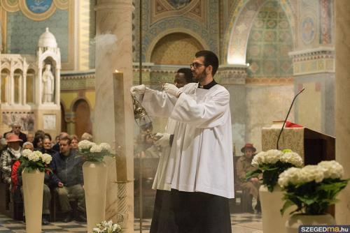 husveti szentmise021kf